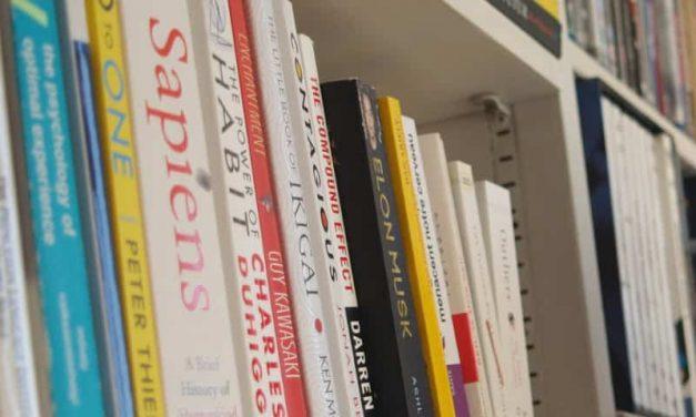 Come leggere un libro a settimana: 10 strategie efficaci