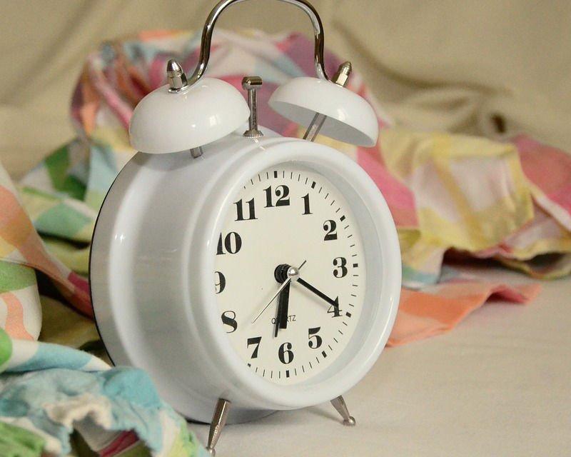 Svegliarsi presto al mattino: come fare